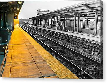 Fredricksburg Train Station At Sunset Canvas Print