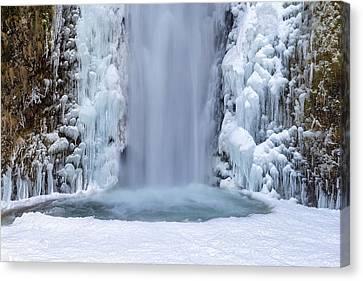 Frozen Multnomah Falls Closeup Canvas Print by David Gn