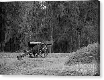 Ft. Mcallister Cannon 2 Black And White Canvas Print