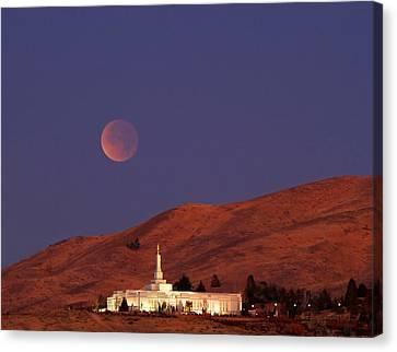 Full Lunar Eclipse Canvas Print by Donna Kennedy