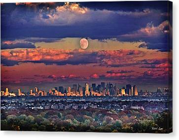 Full Moon Over New York City In October Canvas Print