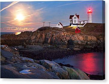 Full Moon Rise At Nubble Lighthouse Canvas Print by Eric Gendron
