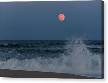 Full Moon Splash Seaside Nj Canvas Print by Terry DeLuco