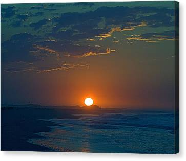 Canvas Print featuring the photograph Full Sun Up by  Newwwman