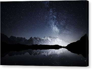 Galaxy On A High Mountain Canvas Print by Yosuke Kashiwakura