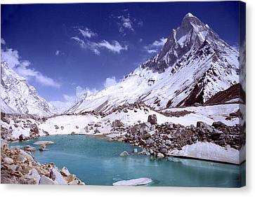 Gandharva Tal And Mount Shivaling Canvas Print by Sam Oppenheim
