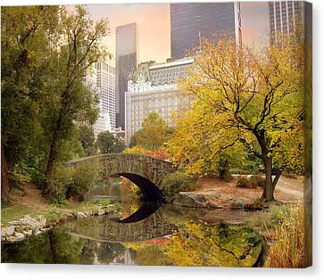 Canvas Print featuring the photograph Gapstow Bridge Reflections by Jessica Jenney