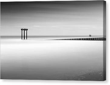 Garden City Groin I Canvas Print by Ivo Kerssemakers