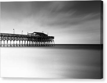 Garden City Pier Bw I Canvas Print by Ivo Kerssemakers
