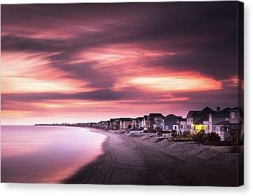 Garden City Sunset Canvas Print by Ivo Kerssemakers