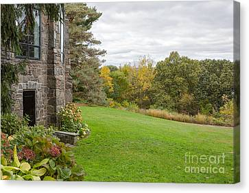 Garden Countryside  Canvas Print by A New Focus Photography