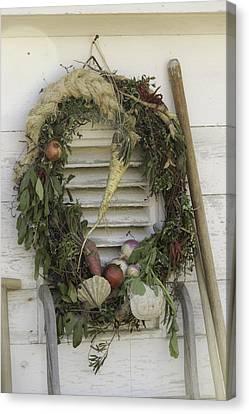 Gardeners Wreath Canvas Print by Teresa Mucha