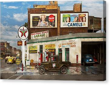 Gas Station - Benton Harbor Mi - Indian Trails Gas Station 1940 Canvas Print by Mike Savad
