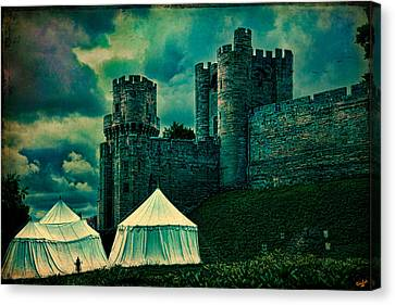 Gate Tower At Warwick Castle Canvas Print by Chris Lord