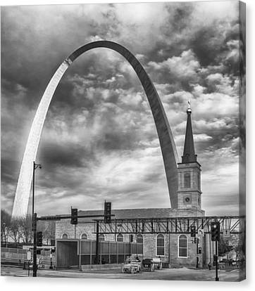 Gateway Arch And Old Cathedral St Louis Mo Dsc01389 Canvas Print by Greg Kluempers