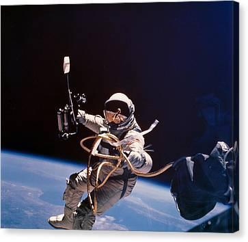 Gemini 4 Astronaut Edward H. White Canvas Print by Nasa