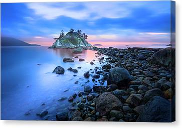 Canvas Print featuring the photograph Gentle Sunrise by John Poon