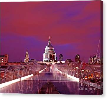 Ghostly Commuters Head To St Pauls On Millennium Bridge Canvas Print by Chris Smith