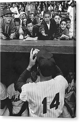 Gil Hodges Baseball Fans Canvas Print by Underwood Archives