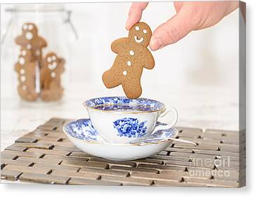 Gingerbread In Teacup Canvas Print