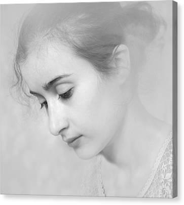 Girl #7244 Canvas Print