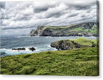 Canvas Print featuring the photograph Glencolmcille by Alan Toepfer