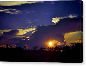 Canvas Print featuring the photograph Glorious Days End by Jan Amiss Photography