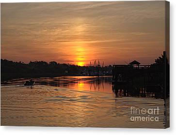 Glory Of The Morning On The Water Canvas Print