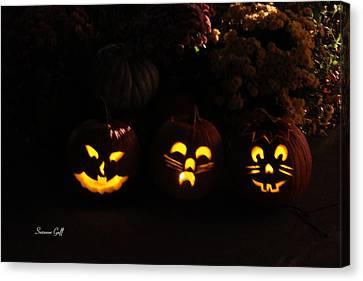 Glowing Pumpkins Canvas Print by Suzanne Gaff