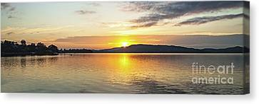 Gold And Grey Sunrise Seascape. Canvas Print by Geoff Childs