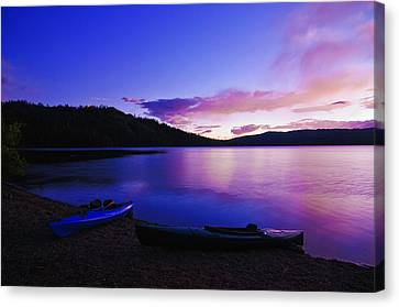 Canvas Print featuring the photograph Gold Lake Sunrise by Sherri Meyer