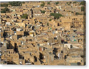 Canvas Print featuring the photograph Golden City Jaisalmer by Yew Kwang