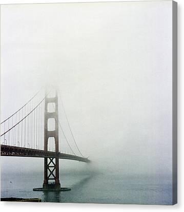 Golden Gate Bridge, San Francisco, California Canvas Print by Tuan Tran
