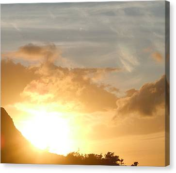 Golden Oahu Sunset Canvas Print