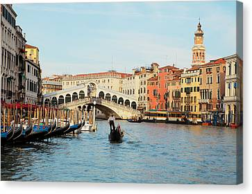 Gondola At The Rialto Canvas Print