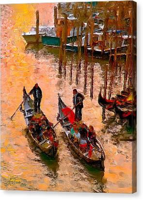 Canvas Print featuring the photograph Gondolieri by Juan Carlos Ferro Duque