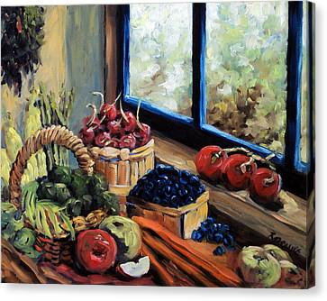 Good Harvest Canvas Print by Richard T Pranke