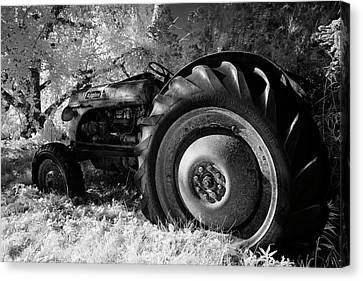 Goodnight Tractor Canvas Print by Luke Moore
