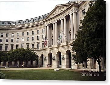 Government Achitecture In Washington Dc Canvas Print