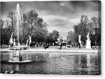 Grand Bassin Rond Canvas Print by John Rizzuto