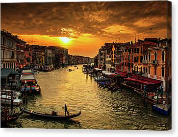Canvas Print featuring the photograph Grand Canal At Sunset by Andrew Soundarajan