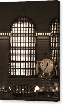 Grand Central Station Canvas Print by Henri Irizarri