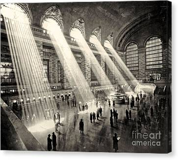 Grand Central Terminal, New York In The Thirties Canvas Print by American School