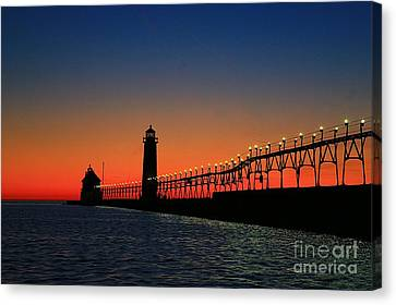 Grand Haven Light House Canvas Print by Robert Pearson