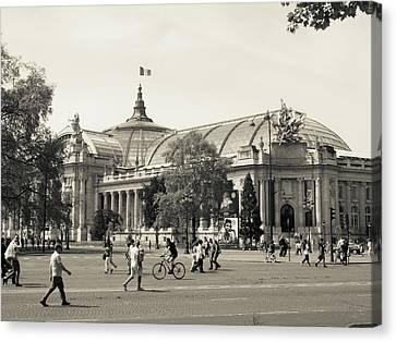 Grand Palais Canvas Print by Saint Cloud