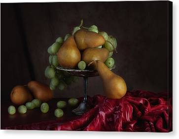 Grapes And Pears Centerpiece Canvas Print by Tom Mc Nemar