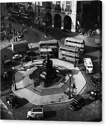 Great Britain. Piccadilly Circus Canvas Print by Everett