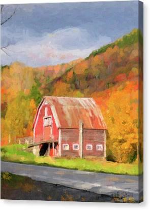 Green Mountains Barn Canvas Print by Betty LaRue