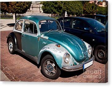 Green Old Vintage Volkswagen Car Canvas Print