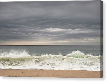 Green Wave Canvas Print by Kevin Bergen